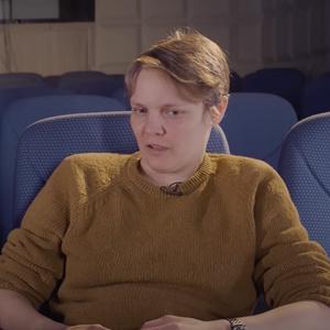 Видео дня: Мария Кувшинова о квире, кино и небинарном будущем в шоу Карена Шаиняна — Жизнь на Wonderzine