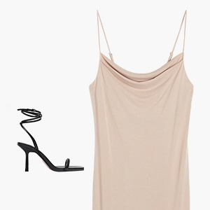 Комбо: Босоножки с завязками и платье с разрезом — Стиль на Wonderzine
