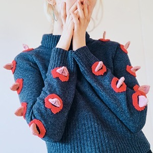 На кого подписаться: Исландская художница и её весёлые свитера