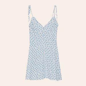 Что носить летом: 25 платьев от простых до роскошных