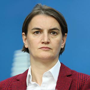 Ана Брнабич: Как открытая лесбиянка стала премьером Сербии