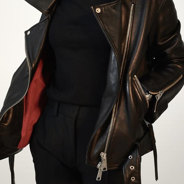 Дизайнер и основательница студии Aiya Design Айя Лисова о любимых нарядах — Гардероб на Wonderzine