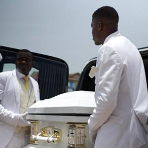 Фантазийные гробы: Как я снимала документалку о смерти в Гане — Личный опыт на Wonderzine