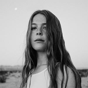 Новое имя: Певица Мэгги Роджерс, которая заставила расплакаться Фаррелла Уильямса — Музыка на Wonderzine