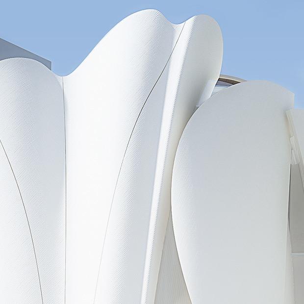 Концепт-сторы, дворцы и хрущевки: Как мода взаимодействует  с архитектурой — Стиль на Wonderzine