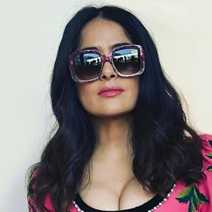 На кого подписаться: Роскошная Сальма Хайек и её честный инстаграм — Кино на Wonderzine