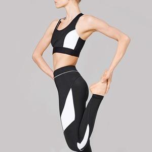 Инстаграм-тренер: Короткие упражнения, которые легко повторить — Спорт на Wonderzine