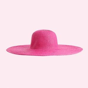 Шляпы, козырьки и панамы: 25 головных уборов на лето — Стиль на Wonderzine