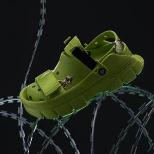 Ядовито-зёленая модель из коллекции Crocs × Sankuanz — Вишлист на Wonderzine