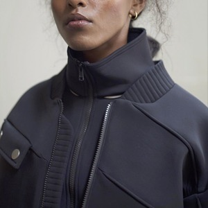 Лондонская марка Neoss: Вещи из неопрена и вельвета — Новая марка на Wonderzine