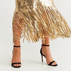 Для Нового года и не только: Роскошные платья и их пары из масс-маркета