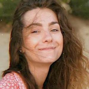 «Я держусь. Начала улыбаться»: мать Софьи Сапеги получила от дочери первые письма из СИЗО — Новости на Wonderzine