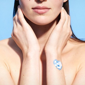 Трекер солнечного излучения My UV Patch  La Roche-Posay  — Вишлист на Wonderzine