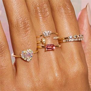 Драгоценные и не только: 7 современных брендов украшений с камнями