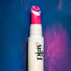 Glossier Play: Новая марка для весёлого макияжа — Новая марка на Wonderzine
