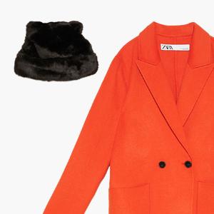 Комбо: Пальто с шапкой из искусственного меха — Стиль на Wonderzine