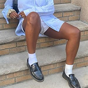 Что носить осенью: 10 пар красивых лоферов и носков к ним  — Стиль на Wonderzine