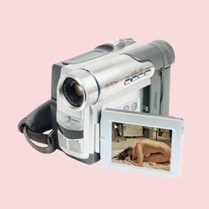 devushek-volosami-zapisal-seks-s-devushkoy-spryatav-videokameru