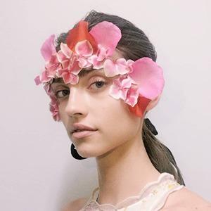 Недели моды: Что показали Пэт Макграт, Исамайя Ффренч и другие визажисты и стилисты — Красота на Wonderzine