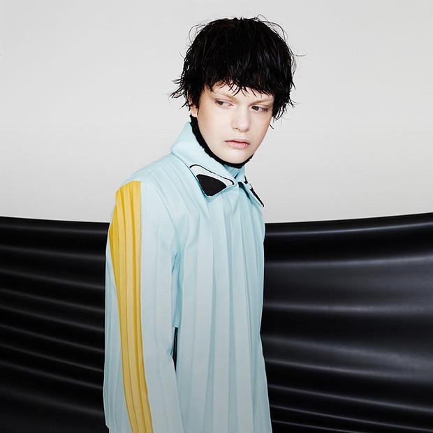 Плиссе и плетение из цветной кожи Martina Spetlova  — Новая марка на Wonderzine