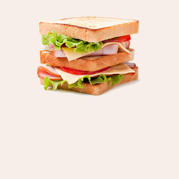 Одна женщина заботилась обо всех и умерла: Что такое «поколение сэндвича»