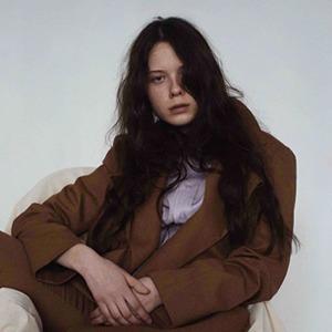 Российская марка «Килька на коне»: Базовая одежда классных цветов — Новая марка на Wonderzine