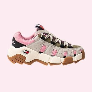 На высоте: 12 пар кроссовок на массивной подошве — Стиль на Wonderzine