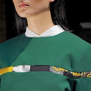 Золотые накидки и принты с драконами Жени Ким — Новая марка на Wonderzine