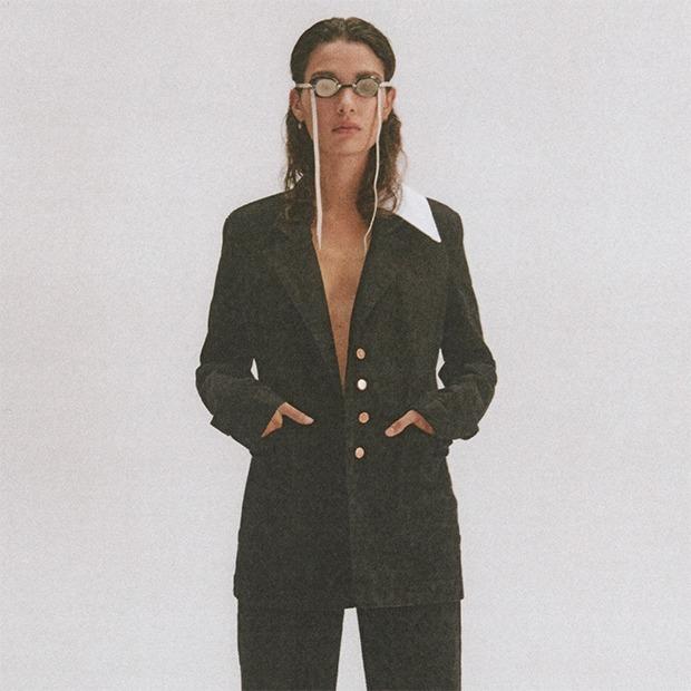 Как менялся офисный стиль: От пауэр-дрессинга 70-х до костюма со шлёпанцами