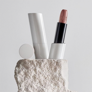 Что запуск декоративной косметики Zara говорит нам об индустрии быстрой моды  — Красота на Wonderzine
