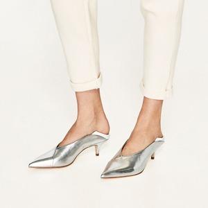 Kitten heels: Возвращение знаковой обуви 50-х — Тенденция на Wonderzine