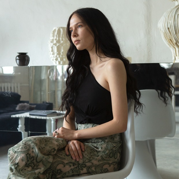 Соосновательница проекта 01001011 Studio  Анастасия Млинарич  и её студия в Москве — Комната на Wonderzine