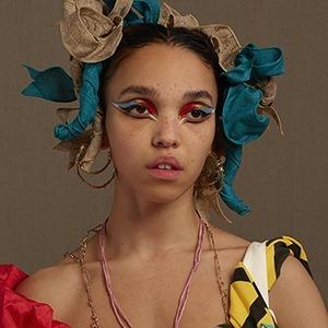 «Magdalene»: Брейкап-альбом FKA twigs, в котором певица выбирает себя — Музыка на Wonderzine