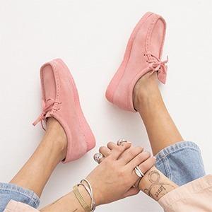 Наследие Clarks: Как обувь бренда снова завоёвывает модные площадки — Тенденция на Wonderzine