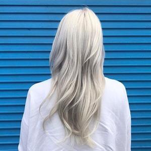 Стеклянный боб и холодный блонд: 5 модных способов поменять причёску