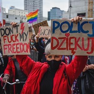 «Это война»:  Как польские женщины отстаивают право на аборты — Жизнь на Wonderzine