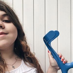 «Надо же, девочка с палочкой»: Как я живу с ревматоидным артритом — Личный опыт на Wonderzine