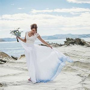 Больше цвета: Свадебные платья  с градиентом — Guilty Pleasure на Wonderzine
