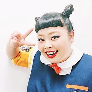 Новое имя: Бодипозитивная японская комедиантка Наоми Ватанабэ — Развлечения на Wonderzine