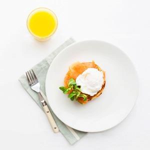 Как завтракают  девушки летом