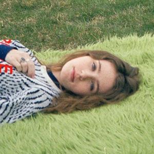 Новое имя: DIY-поп-певица Clairo — Музыка на Wonderzine