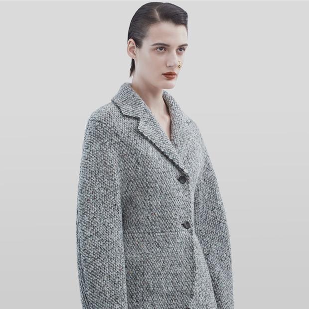 Что носить осенью: Пальто, платья, обувь и другие актуальные вещи из твида