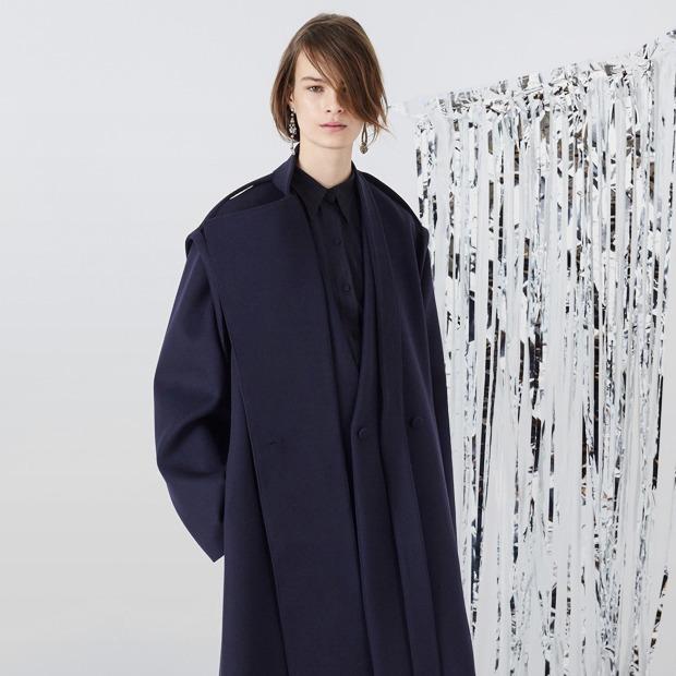 b1aec76e46c С чем носить объёмное пальто  10 модных образов — Инструкция на Wonderzine
