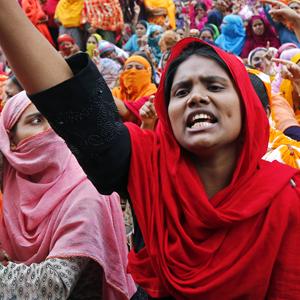 Обратная сторона масс-маркета: Почему бастуют швеи в Бангладеш