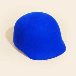 Что купить:  Демисезонные шляпы — Съемки на Wonderzine