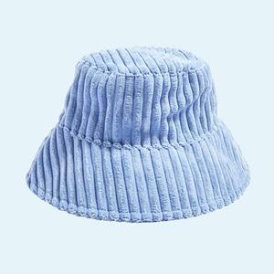 Шляпка для королевы: Самые модные головные уборы сезона — Стиль на Wonderzine