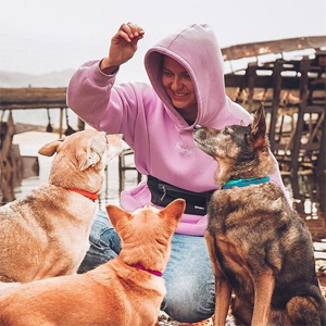 «Всё началось с моей собаки — Чаплина»: Как я меняю отношение к беспородным собакам в России — Хорошее дело на Wonderzine