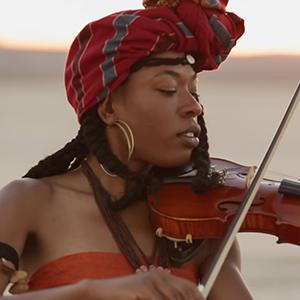 Новое имя: Скрипачка и поп-артистка Sudan Archives — Музыка на Wonderzine