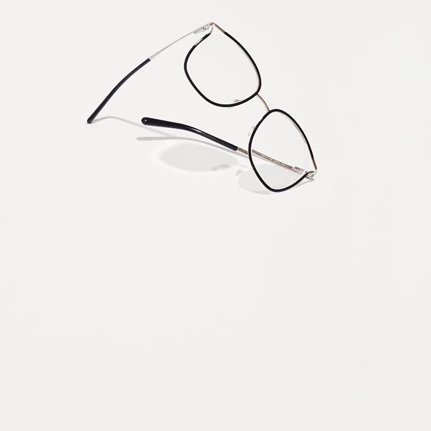 Основательница марки Little Pushkin Аня Дюжник о любимых нарядах — Гардероб на Wonderzine