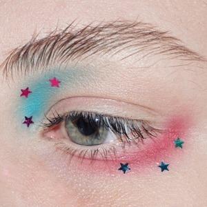 На кого подписаться: Чистый и яркий макияж в инстаграме Hollifer — Красота на Wonderzine